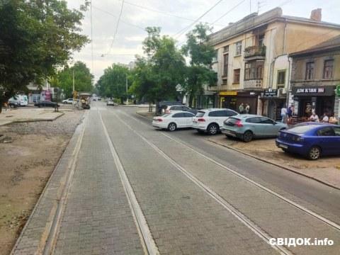 Водители оценили: в центре Николаева продолжается обновление Потемкинской