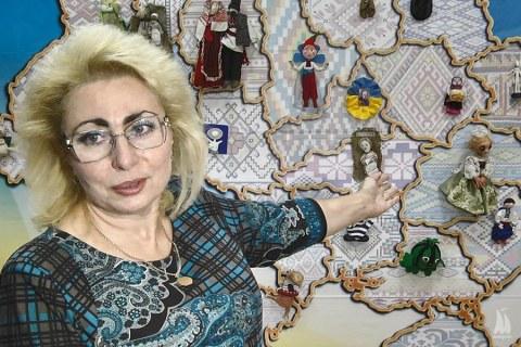 Николаевский театр кукол передал «Старофлотским казармам» необычную карту Украины